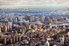 Scenic view to Brooklyn bridge over manhattan Royalty Free Stock Images