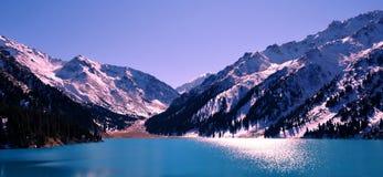 Scenics grande del lago Almaty Foto de archivo libre de regalías