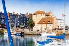 Sceniczna architektura stary molo przy Honfleur obrazy royalty free