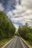 Sceniczna pusta droga w pięknych górach Norwegia Fotografia Royalty Free