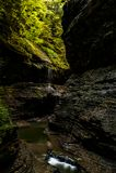 Sceniczna siklawa w jesieni Watkins roztoki stanu park - Watkins roztoka, Nowy Jork - roztoka baseny - Obraz Royalty Free