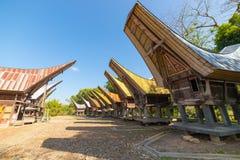 Sceniczna tradycyjna wioska w Taniec Toraja Zdjęcie Stock
