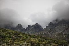 Sceniczne Clarence przejażdżki góry między Gordon ` s zatoką i Rooiels w Zachodnim przylądku, Południowa Afryka fotografia royalty free