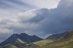Sceniczne Clarence przejażdżki góry między Gordon ` s zatoką i Rooiels w Zachodnim przylądku, Południowa Afryka zdjęcie stock