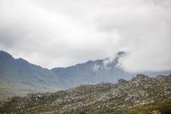 Sceniczne Clarence przejażdżki góry między Gordon ` s zatoką i Rooiels w Zachodnim przylądku, Południowa Afryka fotografia stock