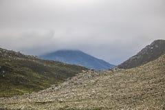 Sceniczne Clarence przejażdżki góry między Gordon ` s zatoką i Rooiels w Zachodnim przylądku, Południowa Afryka obrazy stock