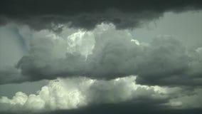 Sceniczne kłębi się chmury zdjęcie wideo