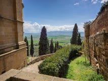 Sceniczne miasto ściany w średniowiecznym miasteczku Pienza, Tuscany zdjęcia royalty free