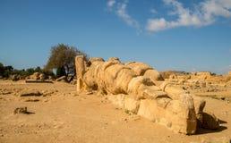 Sceniczne stare ruiny w dolinie świątynie blisko Agrigento Fotografia Royalty Free