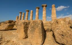 Sceniczne stare ruiny w dolinie świątynie blisko Agrigento Obraz Stock