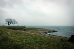 Sceniczny krajobraz blisko Kronborg kasztelu, Helsingor, Dani fotografia royalty free