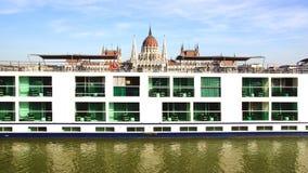 Sceniczny Krystaliczny statek Budapest, Węgry Fotografia Royalty Free