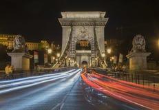 Sceniczny noc widok Łańcuszkowy most w Budapest, Węgry Fotografia Royalty Free