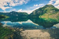 Sceniczny Norweski Glacjalny jezioro Zdjęcie Royalty Free