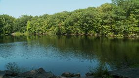 Sceniczny odosobniony jezioro (3 5) zbiory