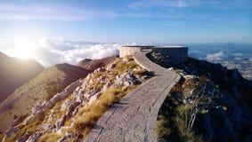 Sceniczny punkt obserwacyjny w górach Montenegro Zdjęcie Stock