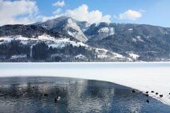 Sceniczny widok ścieżka wokoło jeziora Fotografia Stock