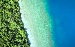 Sceniczny widok morze podpalane i halne wyspy, Filipiny fotografia stock