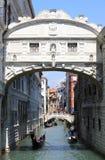 Sceniczny widok most westchnienia w Wenecja Zdjęcia Stock