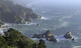 Sceniczny widok na ocean blisko big sur, Kalifornia fotografia stock