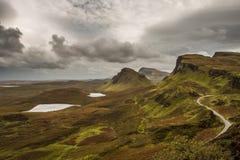 Sceniczny widok Quiraing góry w wyspie Skye, Szkocka wysokość obrazy royalty free