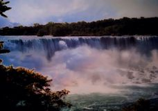 Sceniczny widok siklawy W Niagara spadkach, Kanada Obraz Royalty Free