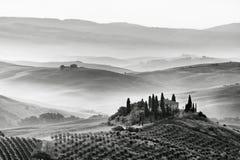 Sceniczny widok typowy toskanka krajobraz zdjęcie stock