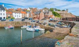 Sceniczny widok w Crail, mała rybak wioska w piszczałce, Szkocja obraz stock