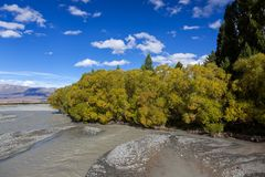 Sceniczny widok Waitaki rzeka zdjęcia royalty free
