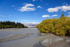 Sceniczny widok Waitaki rzeka zdjęcia stock