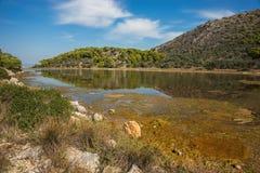 Sceniczny wizerunek jezioro na Agistri wyspie Obrazy Royalty Free