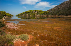 Sceniczny wizerunek jezioro na Agistri wyspie Obrazy Stock