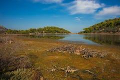 Sceniczny wizerunek jezioro na Agistri wyspie Zdjęcia Stock
