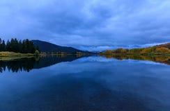 Sceniczny wschód słońca jesieni odbicie w Tetons Obraz Royalty Free