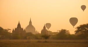 Sceniczny wschód słońca przy Bagan Obraz Royalty Free