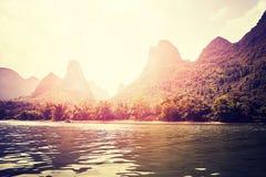 Sceniczny zmierzch nad Li Rzeczny Li Jiang blisko Xingping, Chiny Zdjęcia Royalty Free