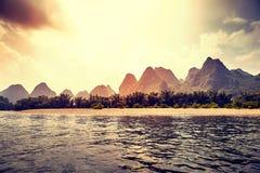 Sceniczny zmierzch nad Li Rzeczny Li Jiang blisko Xingping, Chiny Fotografia Royalty Free