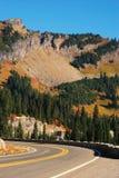Scenisk berghuvudväg Royaltyfri Bild