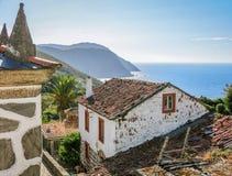 Scenisk eftermiddagsikt i San Andres de Teixido, La Coruna, Spanien Royaltyfria Bilder