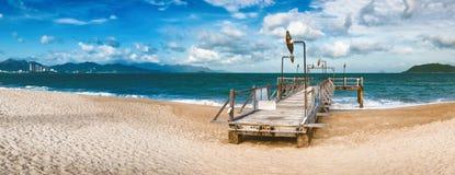 Scenisk härlig sikt av den Nha Trang stranden panorama arkivfoton