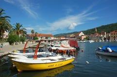 Scenisk kroatisk hamn Arkivbild