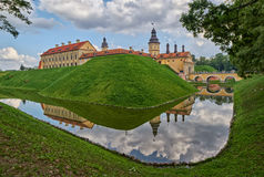 Scenisk Nesvizh slott i Vitryssland Arkivbild
