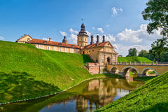 Scenisk Nesvizh slott i Vitryssland Fotografering för Bildbyråer