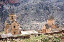 Scenisk Novarank kloster i Armenien Den Noravank kloster grundades i 1205 Det lokaliseras 122 km från Yerevan i en smal klyfta royaltyfria foton