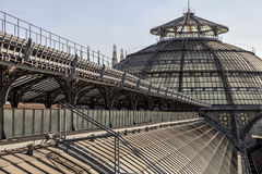 Scenisk rutt över taken av det Vittorio Emanuele II gallerit Highline Galleria i Duomodomkyrkafyrkanten, Milan, Italien royaltyfri bild