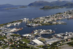 Scenisk sikt av Alesund, Norge Royaltyfri Bild