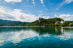Scenisk sikt av Bled sjön, Slovenien. Fotografering för Bildbyråer