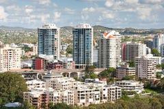 Scenisk sikt av Brisbane cityscape arkivbild
