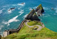 Scenisk sikt av den Dunquin hamnen, ståndsmässiga Kerry, Irland arkivfoton
