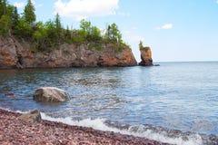 Scenisk sikt av den Lake Superior shorelinen Royaltyfria Foton